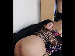 Nirvana Lust teasing booty
