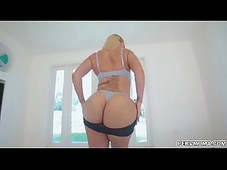 Stepson pumping on stepmoms booty