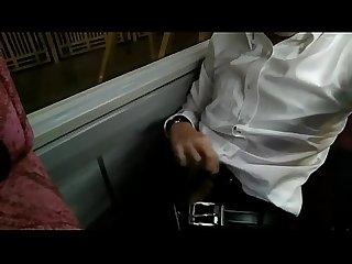 Vu t tr trn xe Bus
