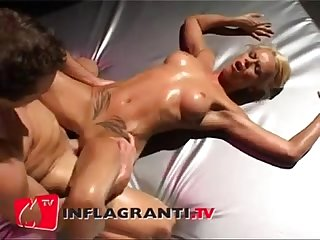 German couple oil massage with a juicy final www beeg18 com