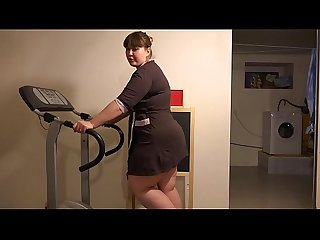 BBW with a anal plug in a fat ass runs on a treadmill, and then completely undresses in a..