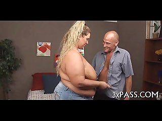 Guy bonks his hot fat gf