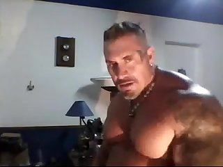 Muscle dad solo webcam hotguycams com