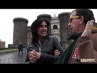 Ana�s, italienne dominatrice fait sa premi�re sodomie