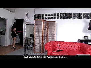 LAS FOLLADORAS - Spanish MILF Suhalia Hard in MMF threesome with pizza dude