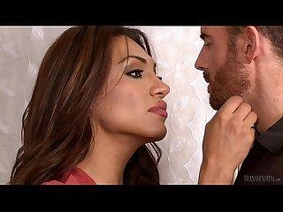 Jessy Dubai fucks her lover's asshole