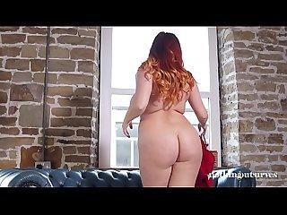 Lucy Vixen Ruda y Desnuda