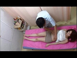 Amazely sexy asian girl gets excited in massage session thevoyeurtube net