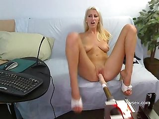 Addison O'Riley live sex machine webcam