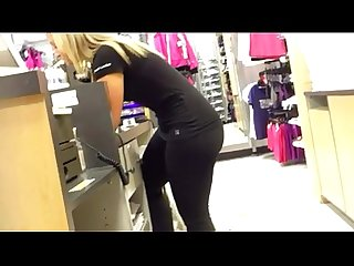 Tight cameltoe in yoga pants pt 2