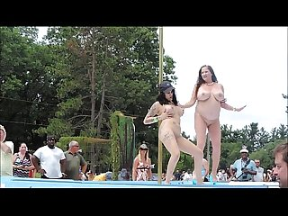 Nude Big Boobs Strippers Dancing in Public - xdance.stream