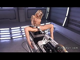 Alt blonde beauty fucking machine