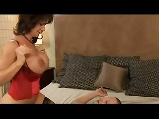 Hot mature gets nailed by much younger guy