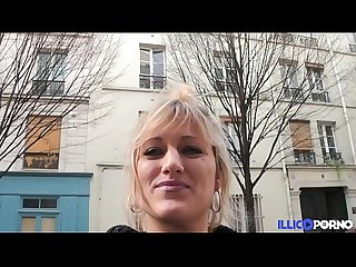 Bonne milf blonde gangbang devant son mari, pour Noe�?l [Full Video]