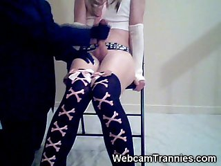 Emo shemale cums on cam