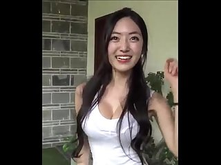 Korean Busty Model Yuna show off her boobs- LiveCamCherries.com