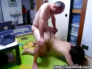 Japanese family: dad fuck daughter (Full:..