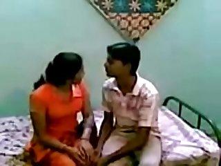 Choti baji fouzia kashif ki phudi mari tangain utha ky charpai py colon rpar