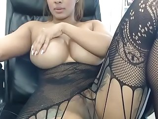 Hot huge tits ebony showing pussy