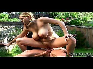 Big stacked Babe blows and gets assfucked in her backyard3