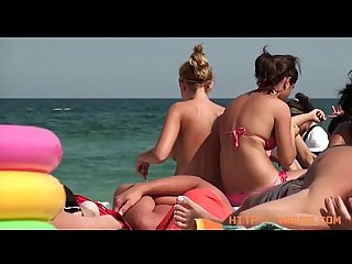 Beautiful chicas on the beaches of Barcelona, nude and topless