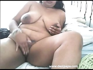 Big boob indian Bhabhi masturbating on live sex Chat