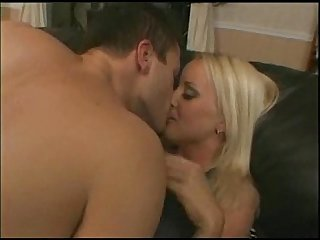 Housewife krysti lynn beautiful blonde
