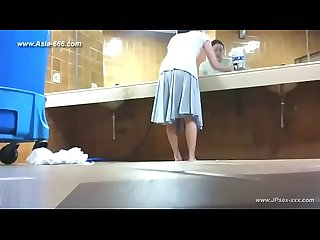 Chinese girls go to Toilet 62