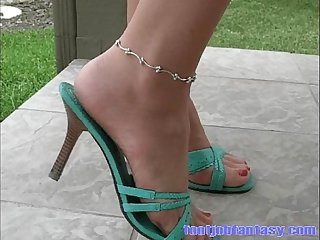 Daisy models her green heels ankle bracelet and tan pantyhose