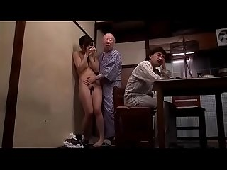 Daughter in law fuck intrigue with father con dau dit vung trom voi bo chong