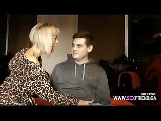 Deutsche milf lutscht den schwanz von nachbarsjungen girl from www sexfriend gq