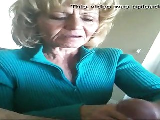 Me sorprendio una maana la abuela de mi amigo terrible petera la abue