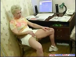 Mature horny MILF get huge young cock