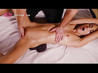 Lilu moon oil massage and cum hard