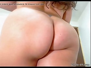 BBW Close-up of ass and hairy pussy