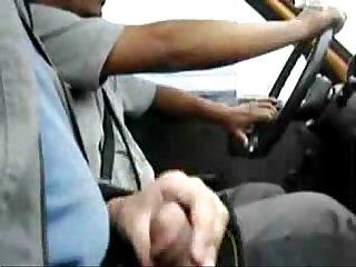 Punheta no taxi