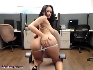Indian bitch fingering in office big boobs round ass