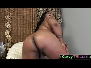 Pouty ebony t girl babe smacks her ass