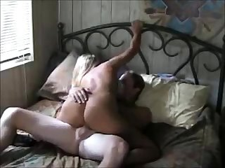 Amateur big boobs milf gets fucked
