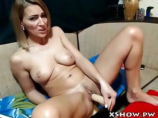 Gorgeous sexy mother cumming