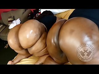 2 GIGANTIC BLACK BUBBLE BUTT BBWS TWERKING