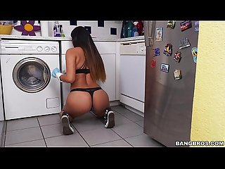 Cleaning up with latina nicole rey on my dirty maid mda15836