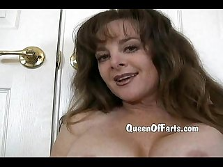 Queenoffarts dirty fart mistress in red