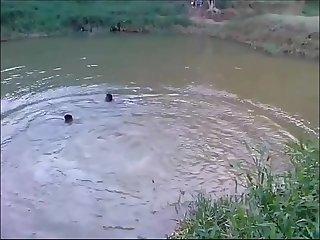Banho no Rio fundo completo