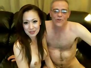 Porn asian babe kissing and fucking old man hips and