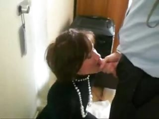Blowjob of boss swallowing sperm xbrony com mp4