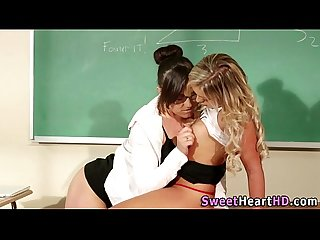 Teen les licks teacher