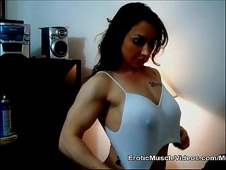 Eroticmusclevideos brandimaes big nipple challenges