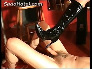 Dirty slave gets his nippels elektroshocked by mistress