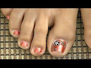 Renna sky feet close up